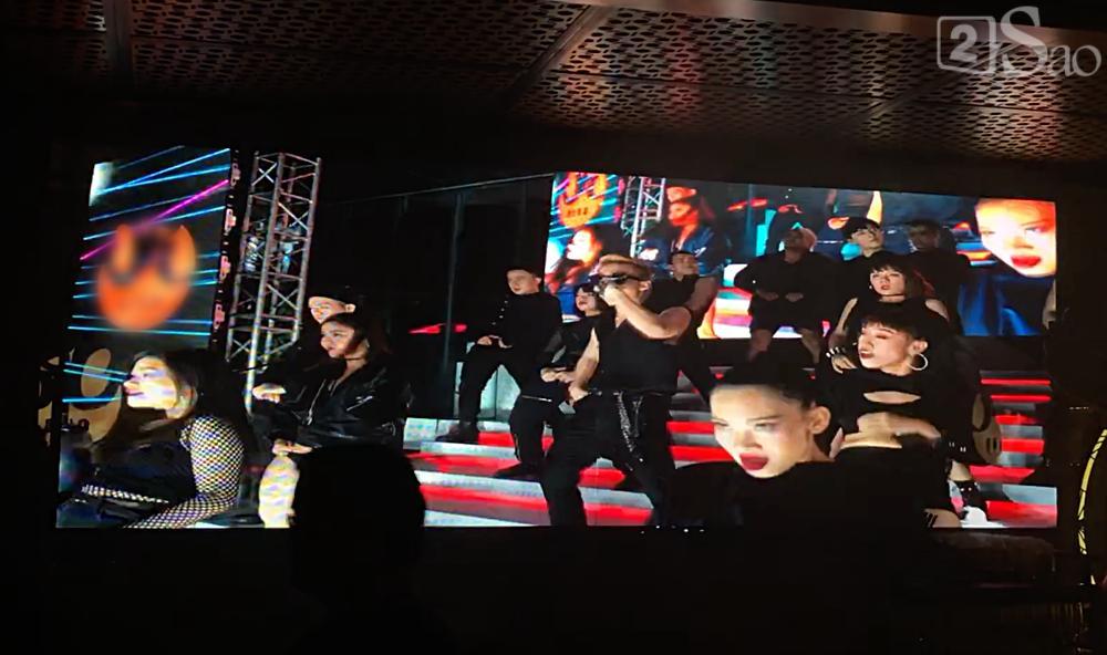 Đeo kính đen đi diễn lúc 1h đêm, Sơn Tùng lần đầu song ca cực chất với đàn chị Thảo Trang-2