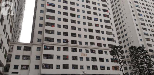 Túi rác bị ném từ tầng 36 chung cư HH Linh Đàm xuống sân, bé trai 4 tuổi thoát nạn trong gang tấc-4