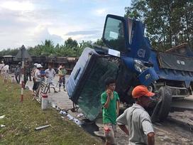 Tai nạn liên hoàn ở đường tránh tại Đà Nẵng, giao thông tê liệt