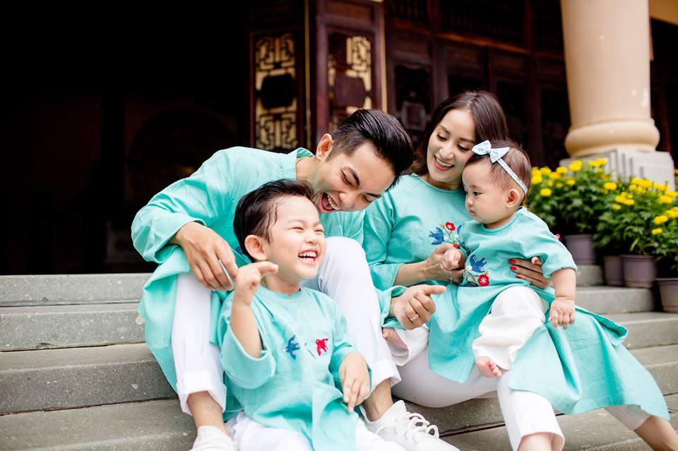 Có hai con đủ trai lẫn gái mà vẫn kêu ít, Phan Hiển đòi hỏi bà xã hợp tác làm vài đứa nữa-3