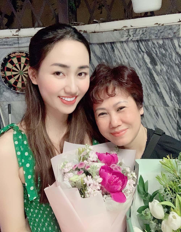 Xúc động những lời chúc tình cảm của sao Việt trong Ngày của mẹ-7
