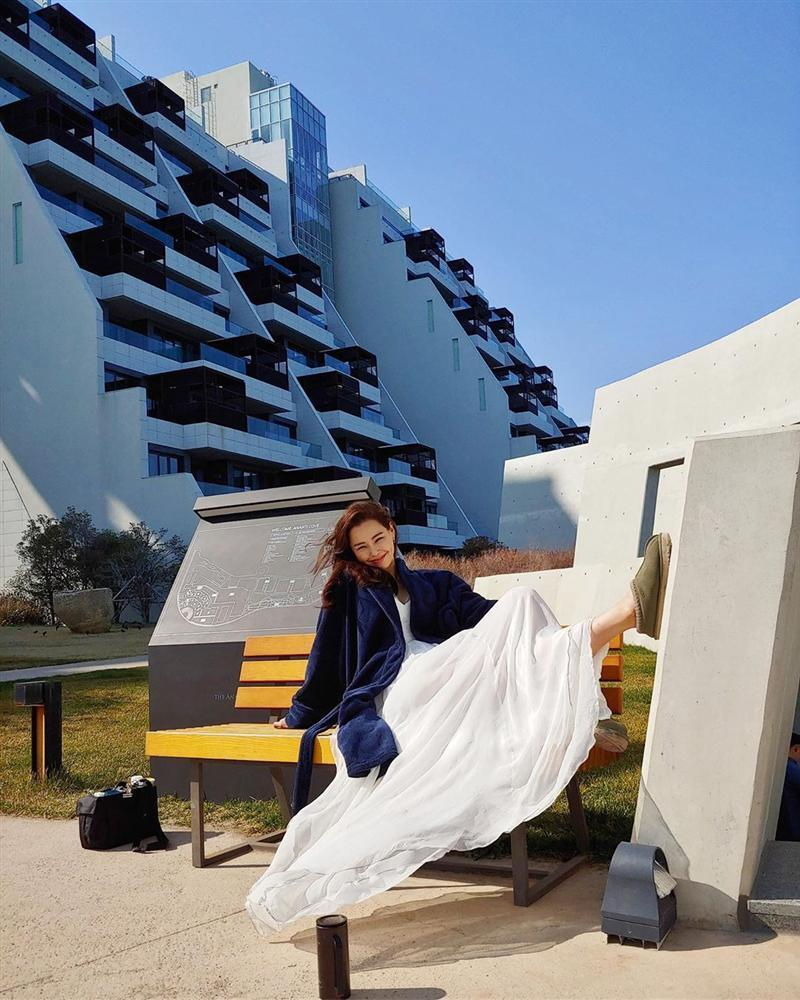 Bản tin Hoa hậu Hoàn vũ 12/5: Quả bom sex giật spotlight của Hoàng Thùy với clip biểu cảm gợi dục-10