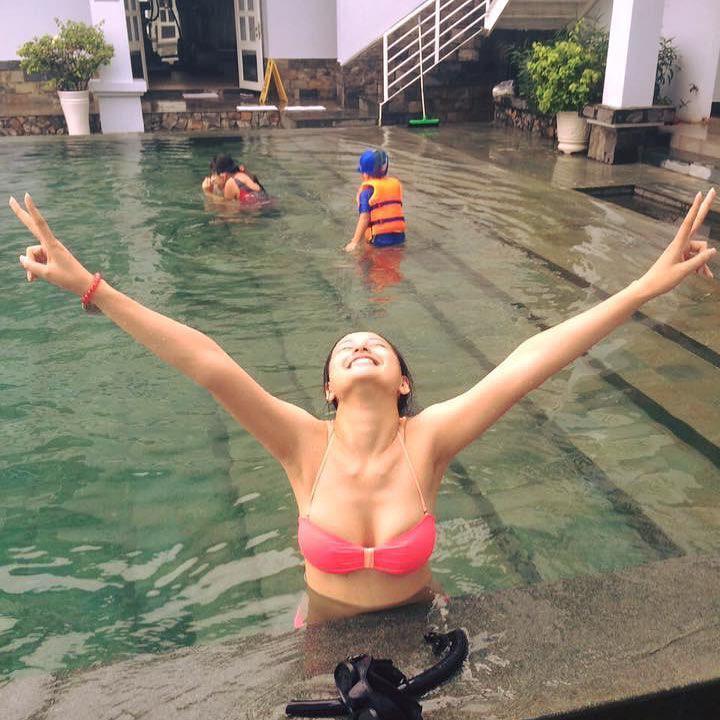 Mothers Day khác với mọi người, Mai Phương Thuý post ảnh bikini nuột nà để... chúc mừng mẹ-2