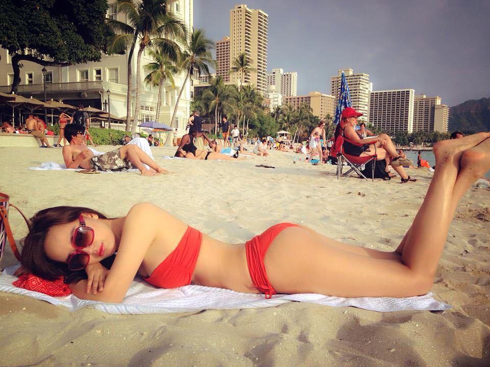 Mothers Day khác với mọi người, Mai Phương Thuý post ảnh bikini nuột nà để... chúc mừng mẹ-5