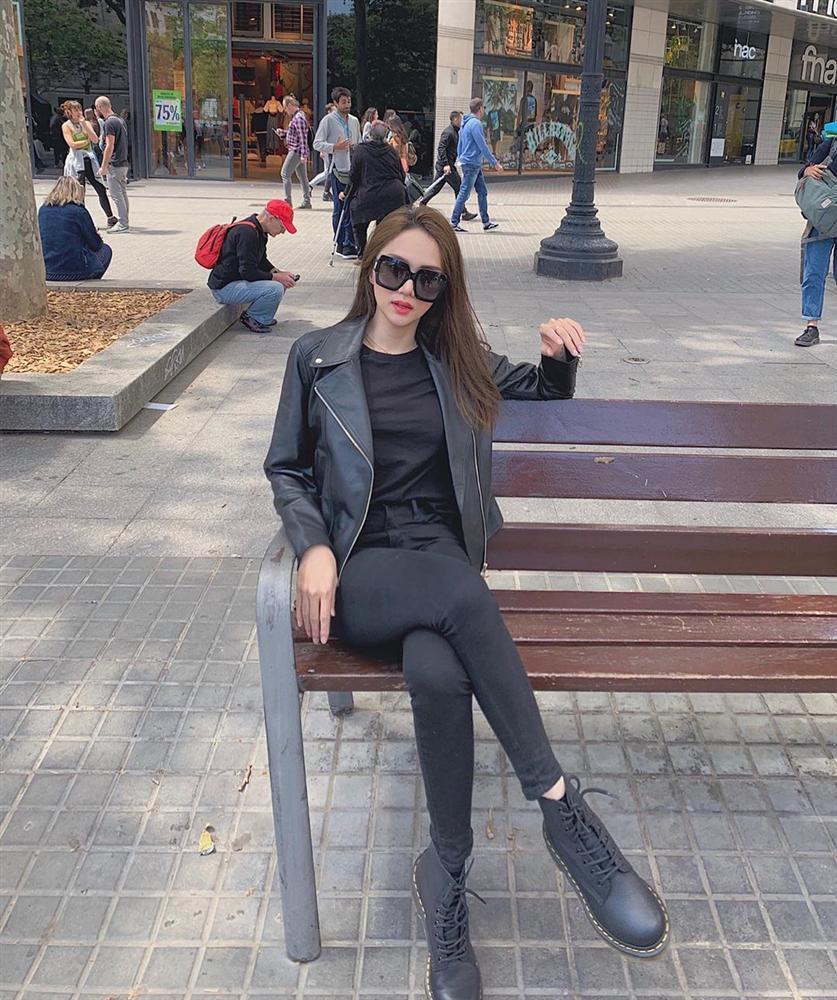 Khác lạ khi không son phấn, Hương Giang Idol bất ngờ trở thành bản sao của danh hài Hoài Linh-9