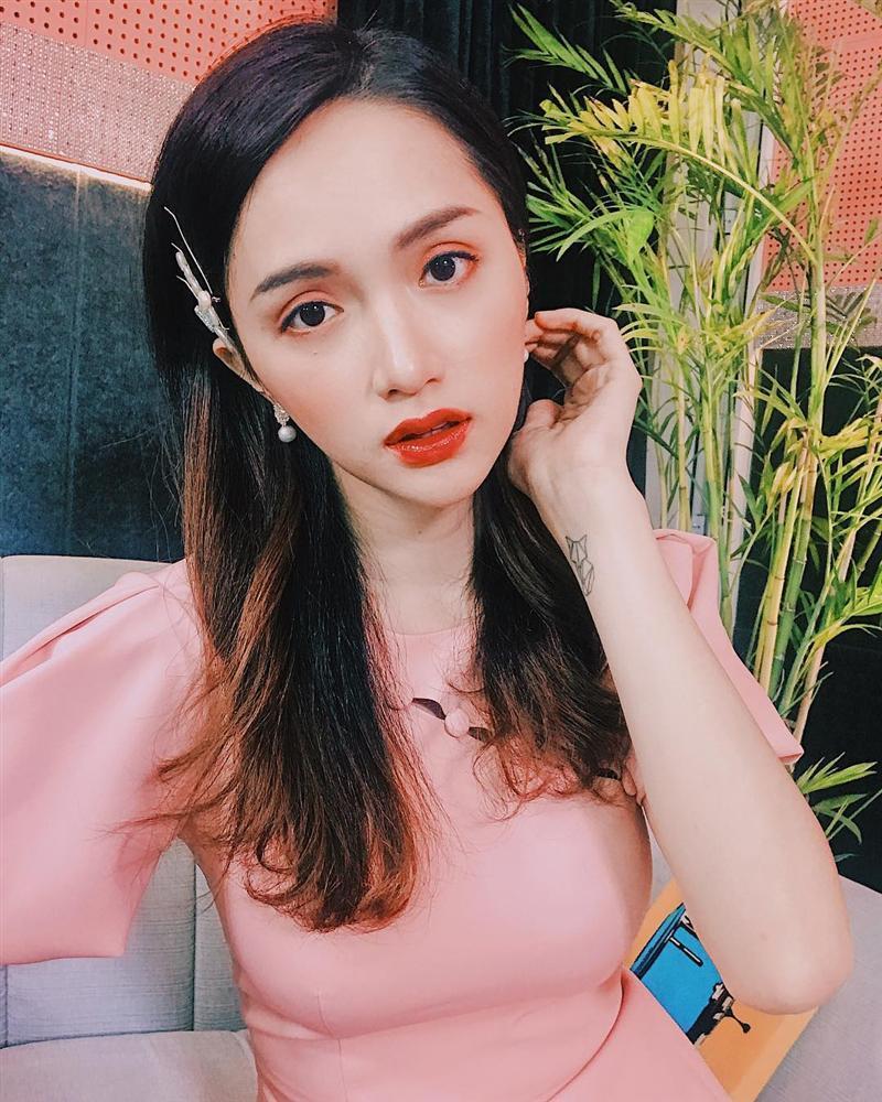 Khác lạ khi không son phấn, Hương Giang Idol bất ngờ trở thành bản sao của danh hài Hoài Linh-11