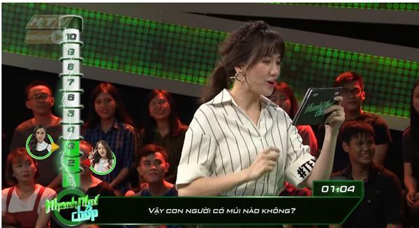 Những lần Hari Won khiến người chơi điên đầu vì đọc câu hỏi đã lơ lớ còn rùa bò tại gameshow Nhanh Như Chớp-2