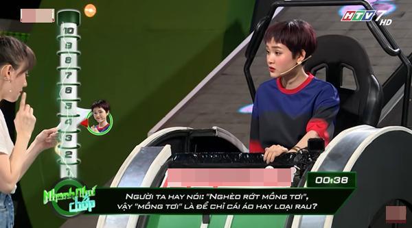 Những lần Hari Won khiến người chơi điên đầu vì đọc câu hỏi đã lơ lớ còn rùa bò tại gameshow Nhanh Như Chớp-6