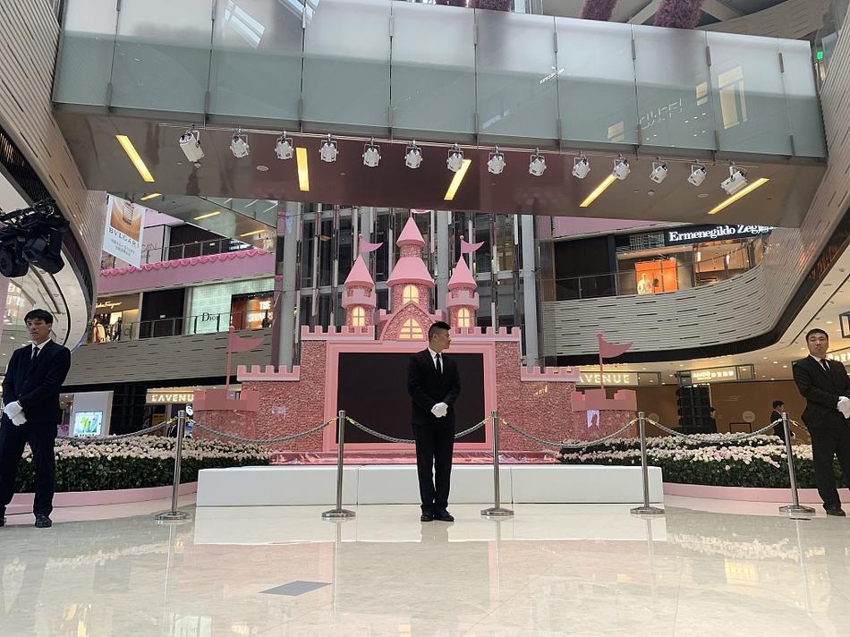 Con trai vua sòng bạc Macau chi bộn tiền để cầu hôn siêu mẫu nội y-4