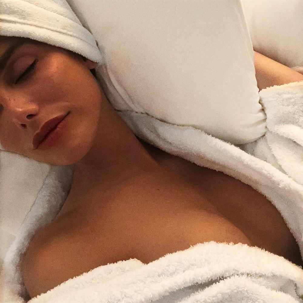 Bản tin Hoa hậu Hoàn vũ 13/5: Chưa xuất trận nhưng Hoàng Thùy đã bị đối thủ Colombia đe dọa... cho ngửi khói-11