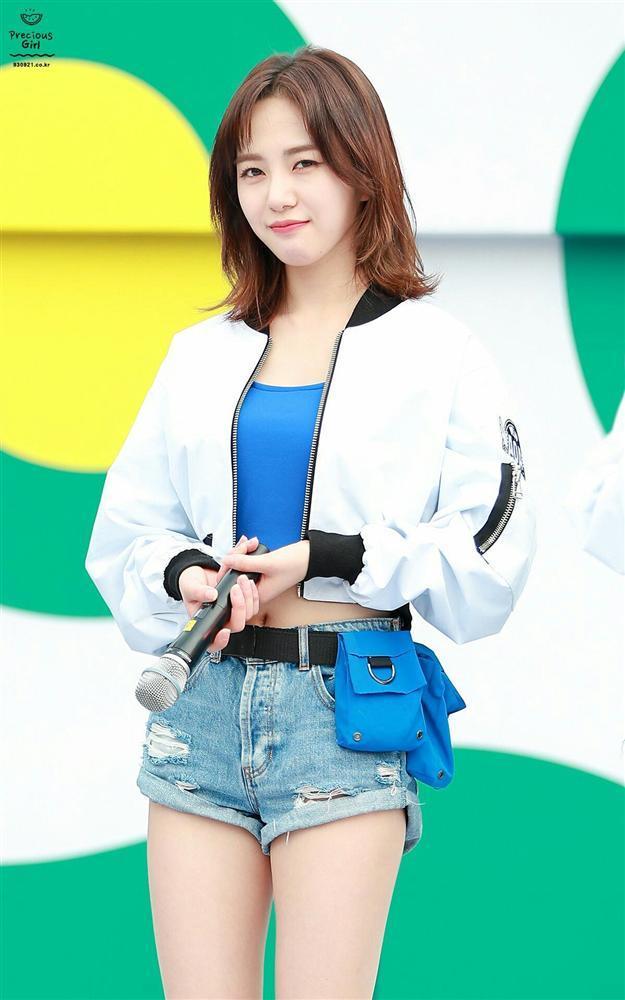 Mỹ nữ vòng eo 45cm Mina rời nhóm, AOA không tránh khỏi lời nguyền 7 năm ám ảnh làng Kpop-1