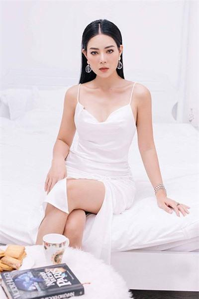 Bị Lan Cave thẳng thắn không coi là đồng nghiệp, Linh Miu đáp trả: Chắc chị ấy nói đến những diễn viên lộ clip nhạy cảm-1