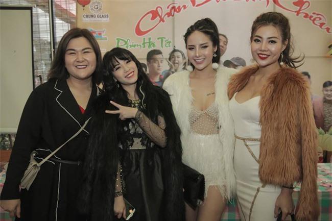 Bị Lan Cave thẳng thắn không coi là đồng nghiệp, Linh Miu đáp trả: Chắc chị ấy nói đến những diễn viên lộ clip nhạy cảm-5