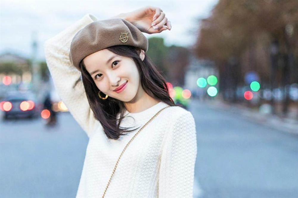 5 hot girl ngoại quốc nổi đình đám ở Việt Nam nhờ xinh đẹp, gợi cảm-8