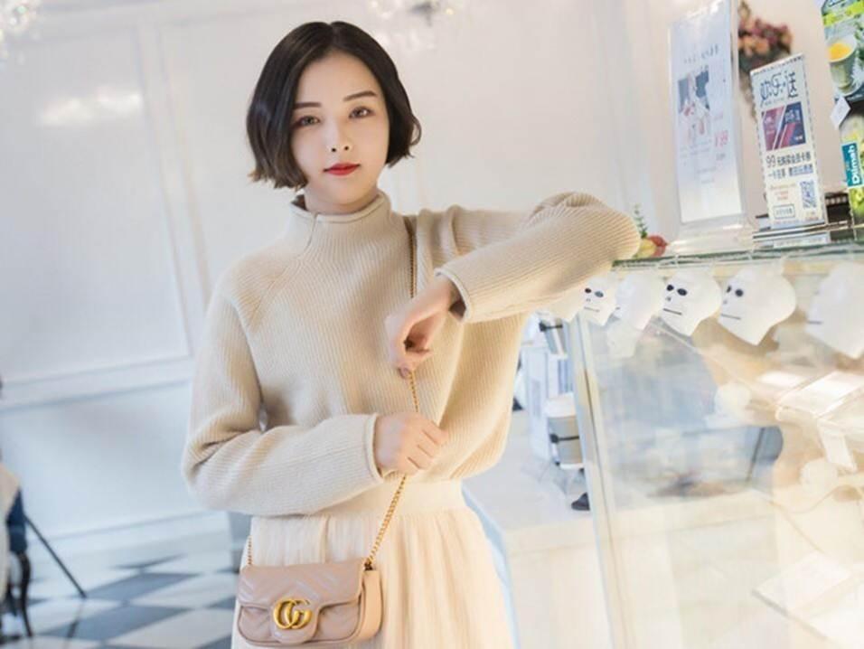 5 hot girl ngoại quốc nổi đình đám ở Việt Nam nhờ xinh đẹp, gợi cảm-12