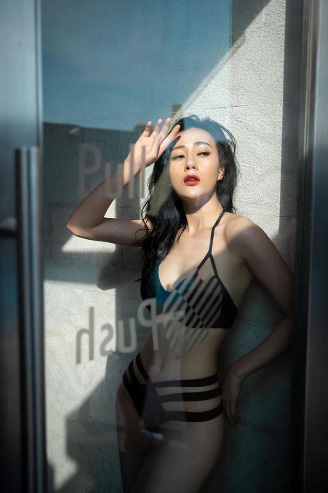 Dàn mỹ nhân Quỳnh búp bê nóng bỏng với bikini-6