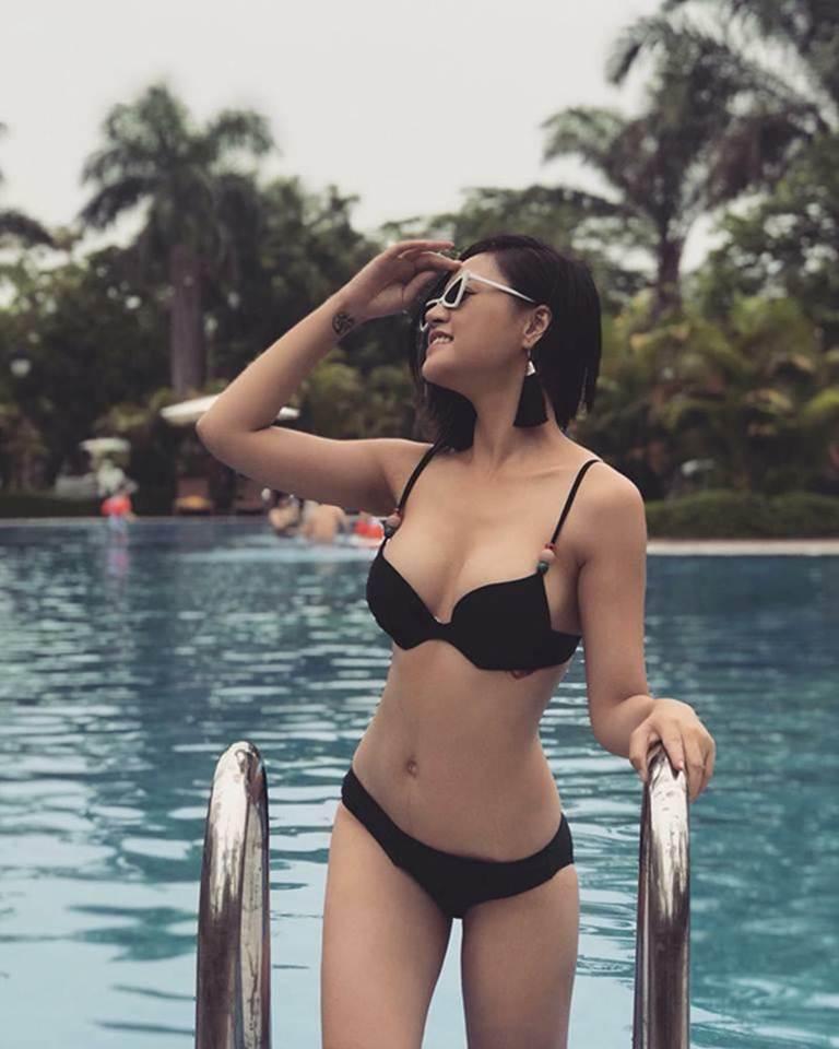 Dàn mỹ nhân Quỳnh búp bê nóng bỏng với bikini-9