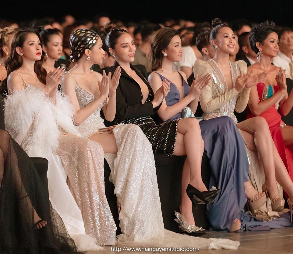 14 lần đại chiến sắc đẹp với các hoa hậu đình đám, nhan sắc của Chi Pu xếp hạng thứ bao nhiêu?-11