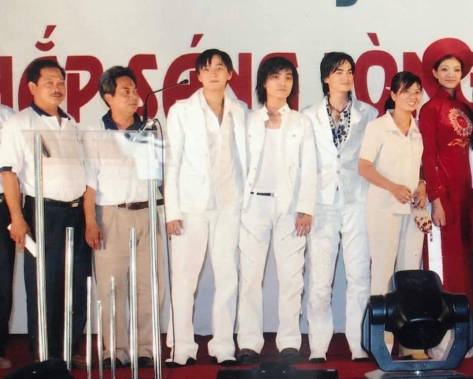 Từ hình thời ơ kìa của Ngô Kiến Huy: Fan ngã ngửa trước phong cách thời trang các nhóm nhạc đình đám cách đây 10 năm-3