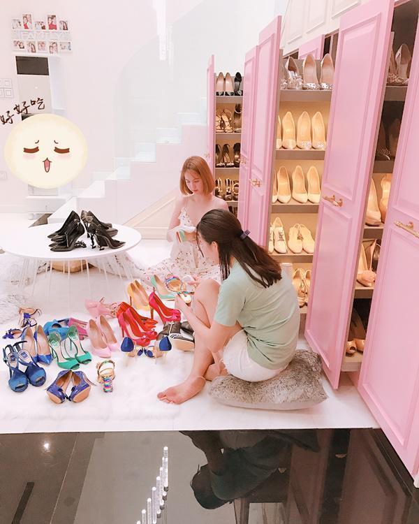 Shopping hàng hiệu đến khô máu, ai ngờ Ngọc Trinh vẫn tiết kiệm mặc lại chiếc váy quây từ 8 năm trước-6
