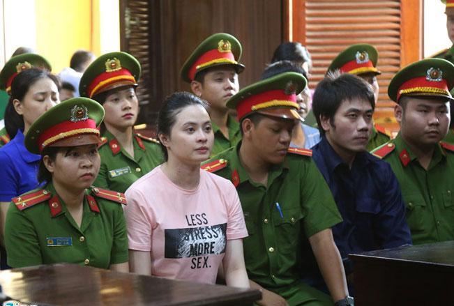 Tòa trả hồ sơ xem xét lại tội danh của hot girl Ngọc Miu và ông trùm ma túy Văn Kính Dương-4
