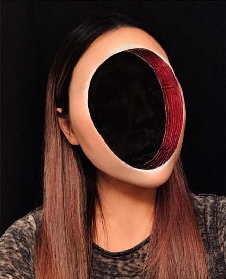 Chủ nhân màn hóa trang ảo giác của Ezra Miller tại Met Gala sở hữu hàng nghìn tác phẩm trang điểm đẹp đến rùng rợn-8
