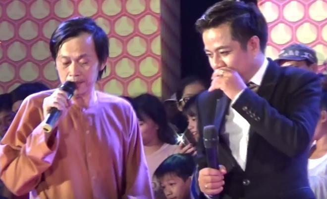 Cảnh bị chọi gạch đá, giang hồ vây đánh của nghệ sĩ Việt diễn hội chợ-6