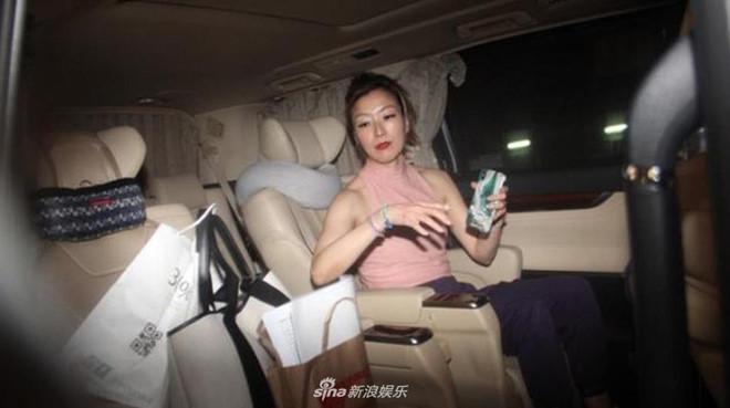 Trịnh Tú Văn im lặng khi bị truy hỏi về scandal của chồng và tình nhân-3