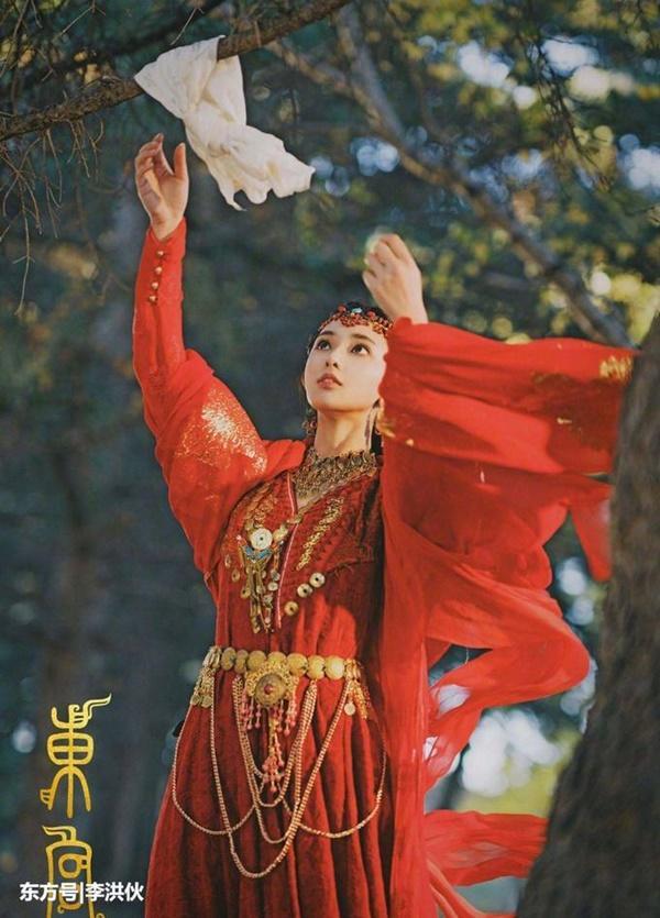 Top 11 nữ thần cổ trang thế hệ mới của Trung Quốc-10
