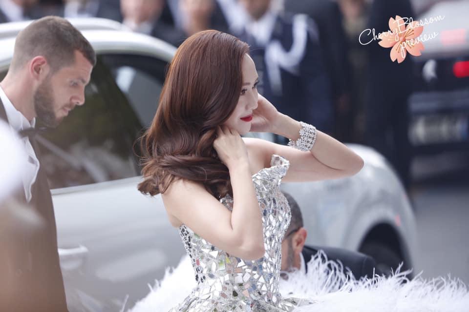 Jessica Jung mất điểm vì gương mặt bự phấn dù mặc đầm như một nàng công chúa trên thảm đỏ LHP Cannes 2019-2