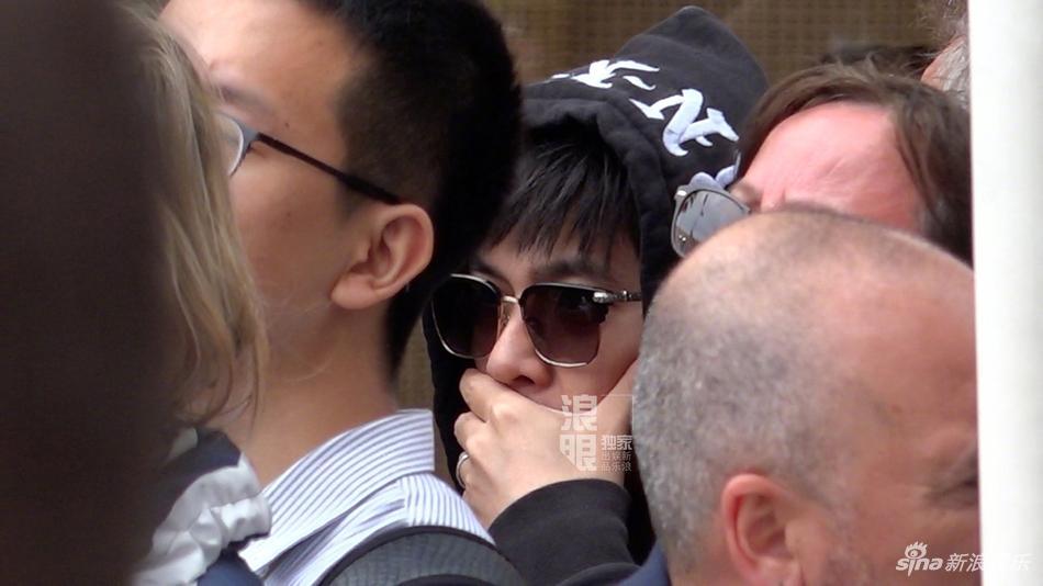 Yêu vợ say đắm như Châu Kiệt Luân: Đứng lặng trong đám đông ngắm Côn Lăng trên thảm đỏ Cannes-2