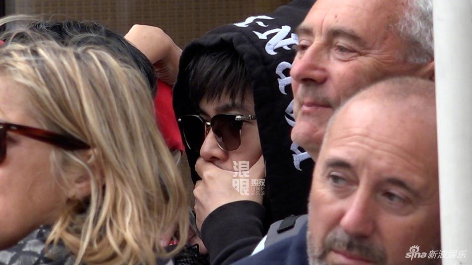 Yêu vợ say đắm như Châu Kiệt Luân: Đứng lặng trong đám đông ngắm Côn Lăng trên thảm đỏ Cannes-3