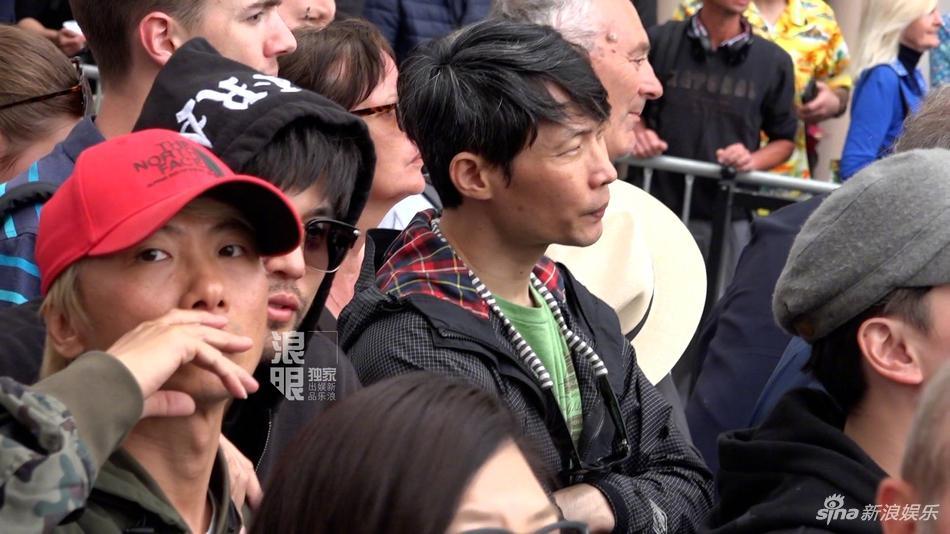 Yêu vợ say đắm như Châu Kiệt Luân: Đứng lặng trong đám đông ngắm Côn Lăng trên thảm đỏ Cannes-4