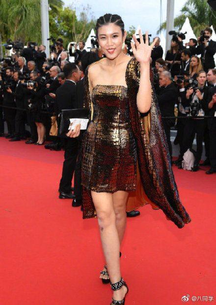 Khiếp sợ dàn mỹ nhân vô danh đổ bộ thảm đỏ Cannes: Người ăn mặc sốc nổi, kẻ bị đuổi thẳng thừng-11