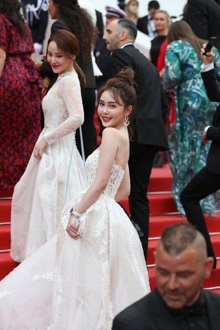 Khiếp sợ dàn mỹ nhân vô danh đổ bộ thảm đỏ Cannes: Người ăn mặc sốc nổi, kẻ bị đuổi thẳng thừng-13