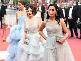 Khiếp sợ dàn mỹ nhân vô danh đổ bộ thảm đỏ Cannes: Người ăn mặc sốc nổi, kẻ bị đuổi thẳng thừng