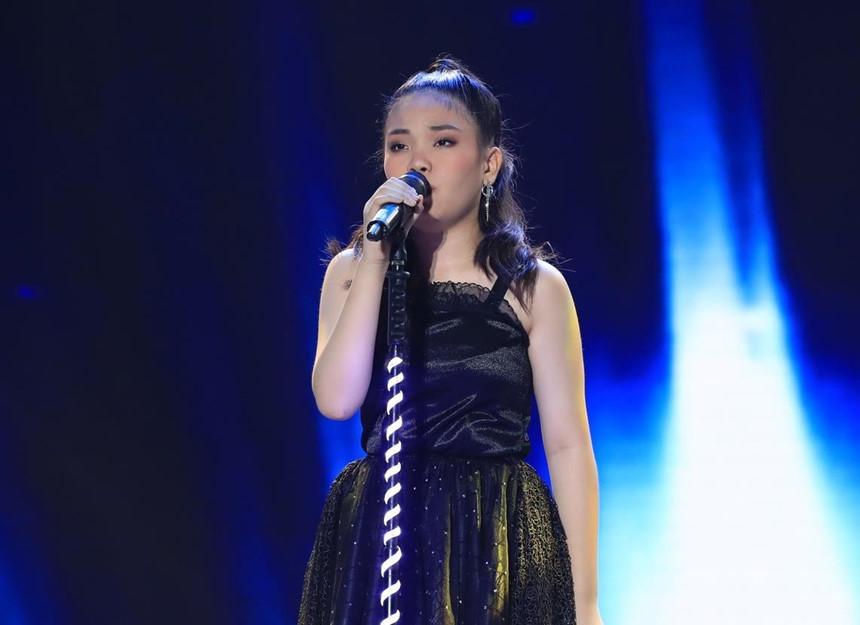 Hòa Minzy bật khóc khi bị nhạc sĩ Đức Huy chê chọn sai bài, bắt thí sinh gồng gánh ca khúc quá khó-2