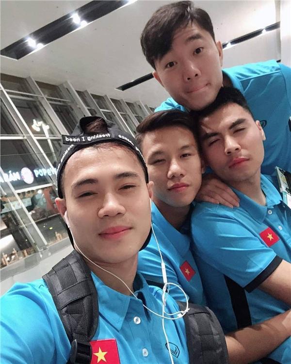 Tuyển Việt Nam thi nhau chúc sinh nhật Quế Ngọc Hải, fans thấy có gì đó không đúng khi đọc bình luận-3