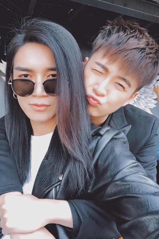 Sau cuộc chiến phân vai công - thụ, Ngô Kiến Huy và BB Trần đã xác định rõ ai vợ ai chồng-4