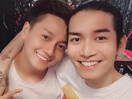 Sau cuộc chiến phân vai 'công - thụ', Ngô Kiến Huy và BB Trần đã xác định rõ ai vợ ai chồng