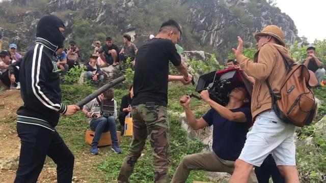 Cười ngả nghiêng với hậu trường Việt Anh đập đòn chí mạng Hồng Đăng trong Mê cung-1