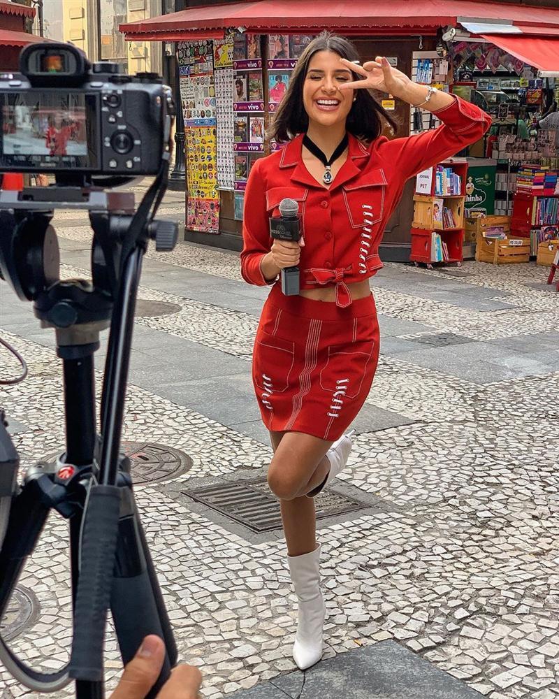 Bản tin Hoa hậu Hoàn vũ 15/5: Nhà báo Brazil quá xinh đẹp đe dọa khả năng intop của Hoàng Thùy-2