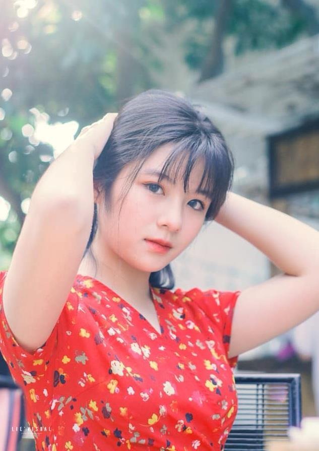 Nữ sinh Thái Nguyên gây nghiện người xem bởi chất giọng ngọt ngào, nhìn ảnh cận mặt còn ngây ngất hơn-1