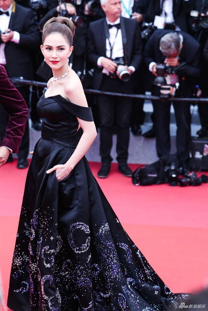 Top 10 bộ cánh đẹp đến ngây người trong hai ngày đầu thảm đỏ Liên hoan phim Cannes 2019-9