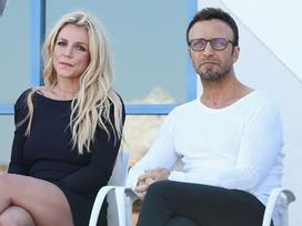 Quản lý lâu năm tiết lộ Britney Spears sẽ giải nghệ