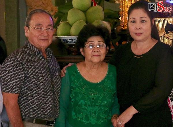 Hồng Vân - Minh Nhí - Quốc Thuận tới lễ cúng 49 ngày mất của cố nghệ sĩ Anh Vũ-12