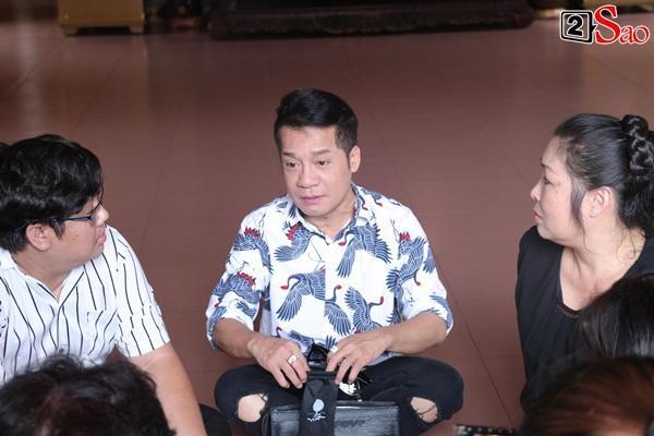 Hồng Vân - Minh Nhí - Quốc Thuận tới lễ cúng 49 ngày mất của cố nghệ sĩ Anh Vũ-15