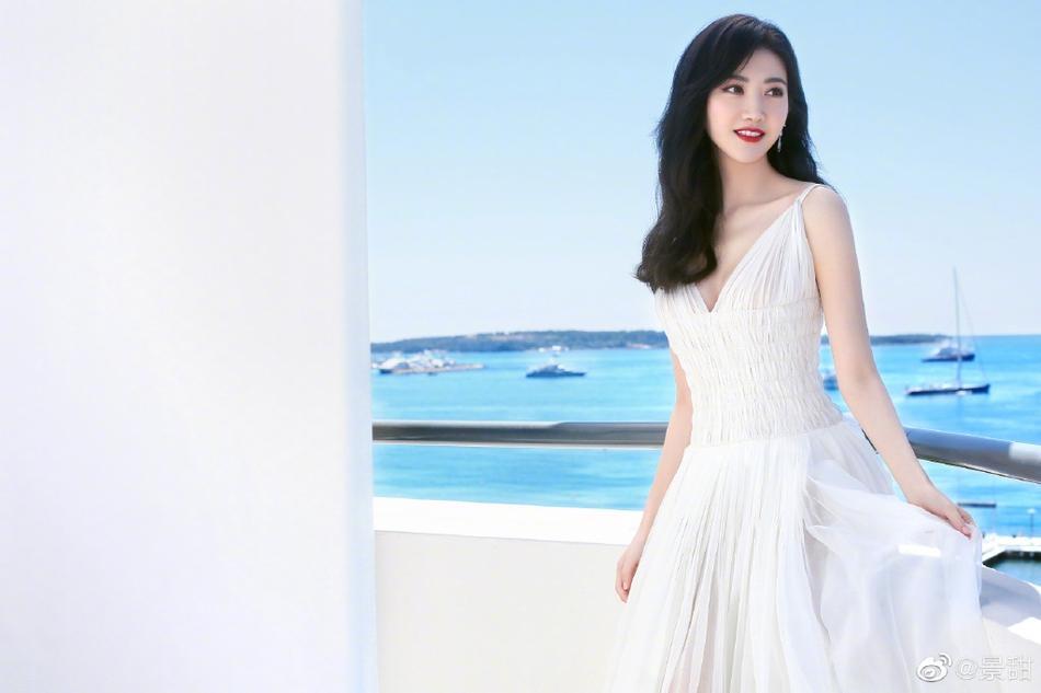 Đệ nhất mỹ nữ Bắc Kinh ngượng chín mặt khi bị đuổi khỏi thảm đỏ LHP Cannes 2019-8
