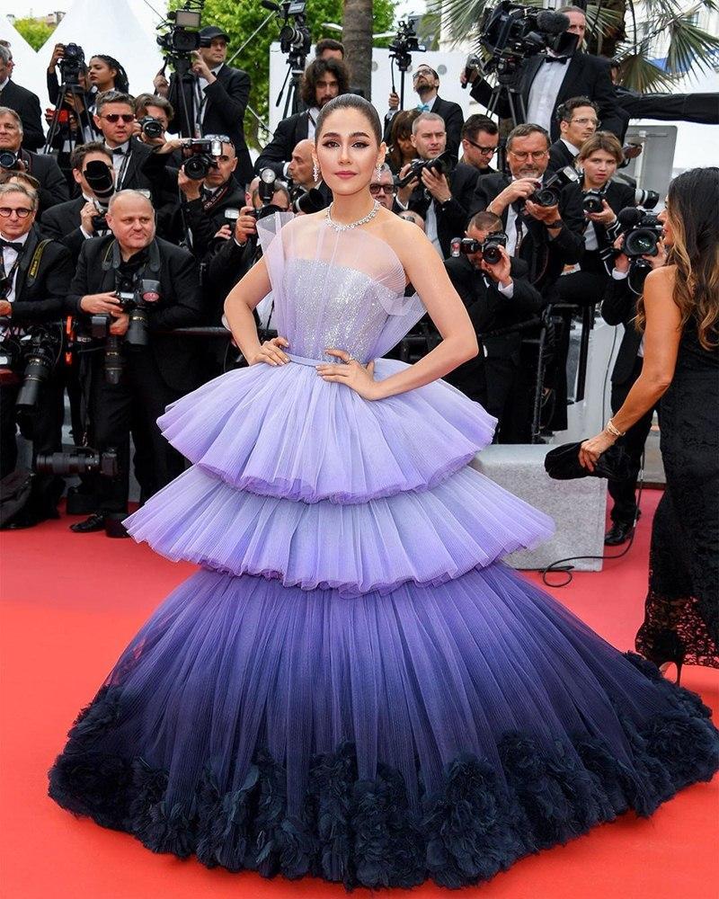 Mỹ nhân châu Á đẹp nhất thảm đỏ LHP Cannes: Nhan sắc thiên thần, body bốc lửa, lấy chồng giàu sang-1