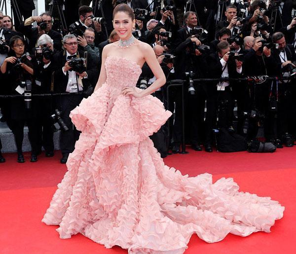 Mỹ nhân châu Á đẹp nhất thảm đỏ LHP Cannes: Nhan sắc thiên thần, body bốc lửa, lấy chồng giàu sang-6